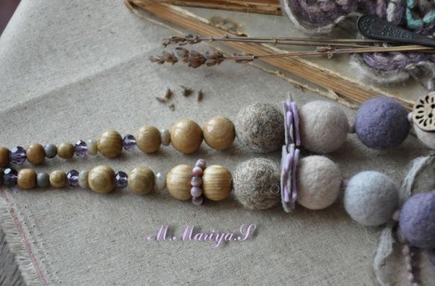 бусы из шерсти, деревянные бусины, бусы из войлока, полимерная глина