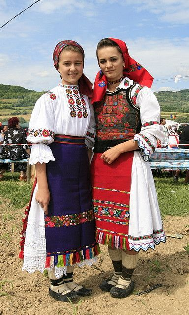 Romanian folk costumes  For more ethnic fashion inspirations and tribal style visit <a href=