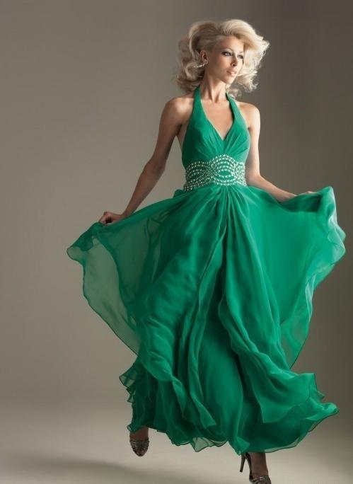 Девушки в зеленых платьях