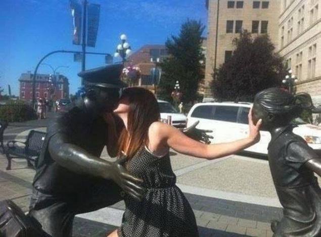 Как Правильно фотографироваться с памятниками, фото № 14
