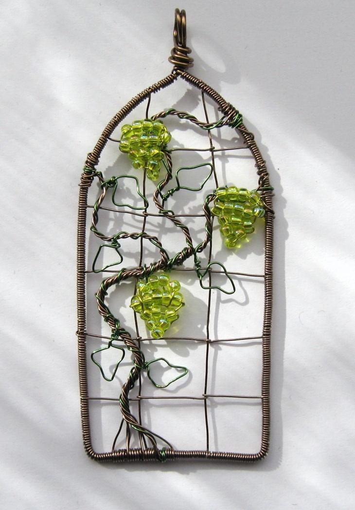 Проволочные кулоны-картины Louise Goodchilde, фото № 4