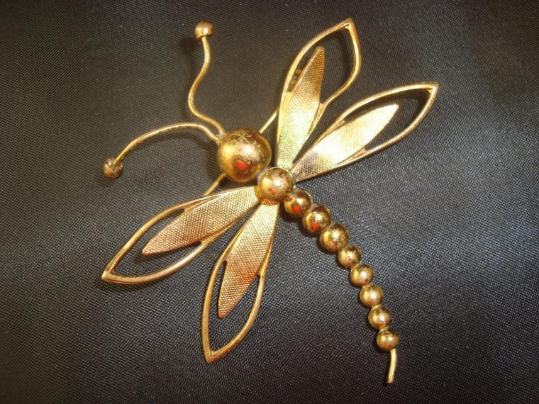 ретро стиль, винтажная брошь, золотая стрекоза, красивая брошь, фигурная брошь, брошь на платье