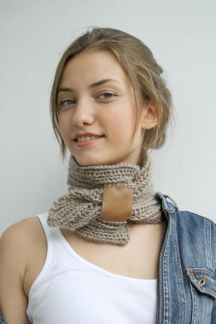 маленький шарф