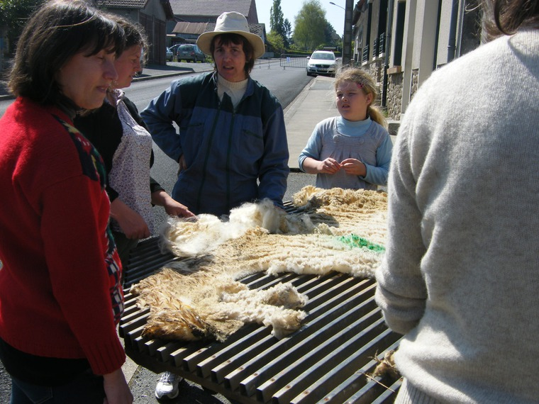 прядение шерсти, ручное вязание, экопряжа