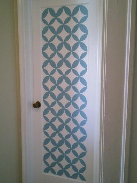 Как обновить дверь своими руками в ванную комнату