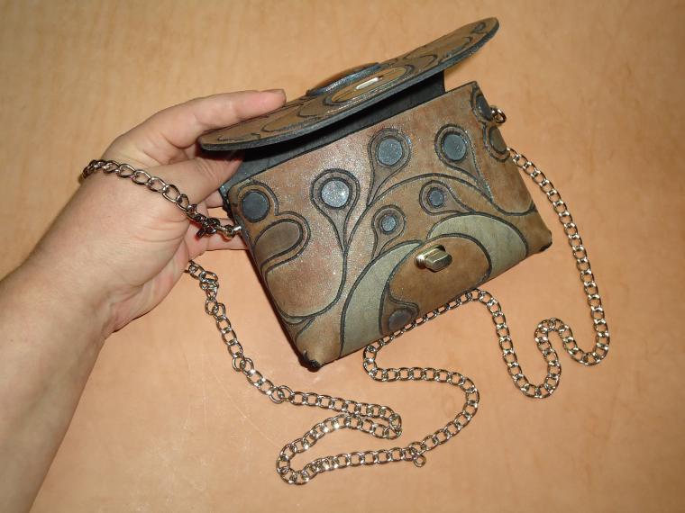 сумка, функциональный подарок, сумка кожаная, маленькая сумочка