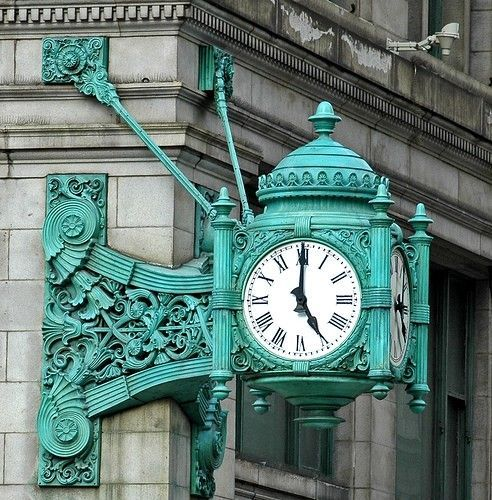 My favorite clock in the world! The Marshal Field's (now Macy's - boo!) clock in Chicago. | Ocean Blue COTM