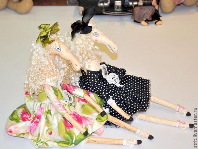 сшить куклу, сшить лошадку, выкройка лошадки, лошадка своими руками, символ 2014 года, подарок своими руками