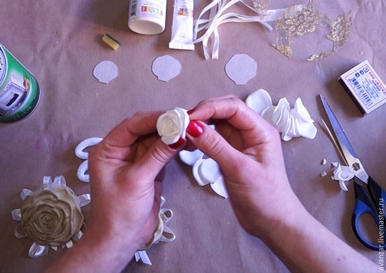 Создаем заколки с кружевом и золотыми розами из фоамирана, фото № 9