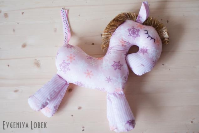 бледно-розовый, развивающая игрушка