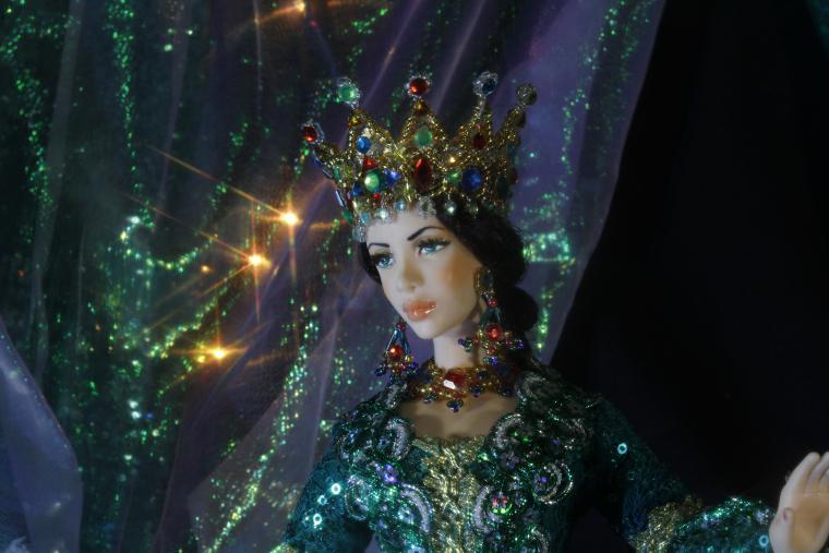 Картинка изумрудная королева