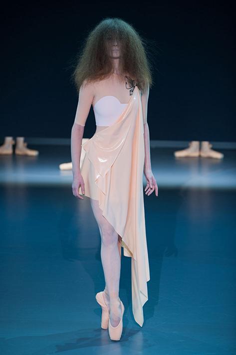Victor&Rolf Haute Couture весна-лето 2014, фото № 4