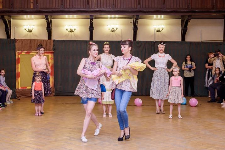 мода для всей семьи, экомода, юбка для девочки, цветочные принты