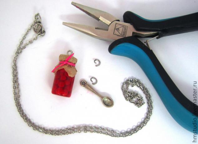 Как сделать маленькие кулоны своими руками