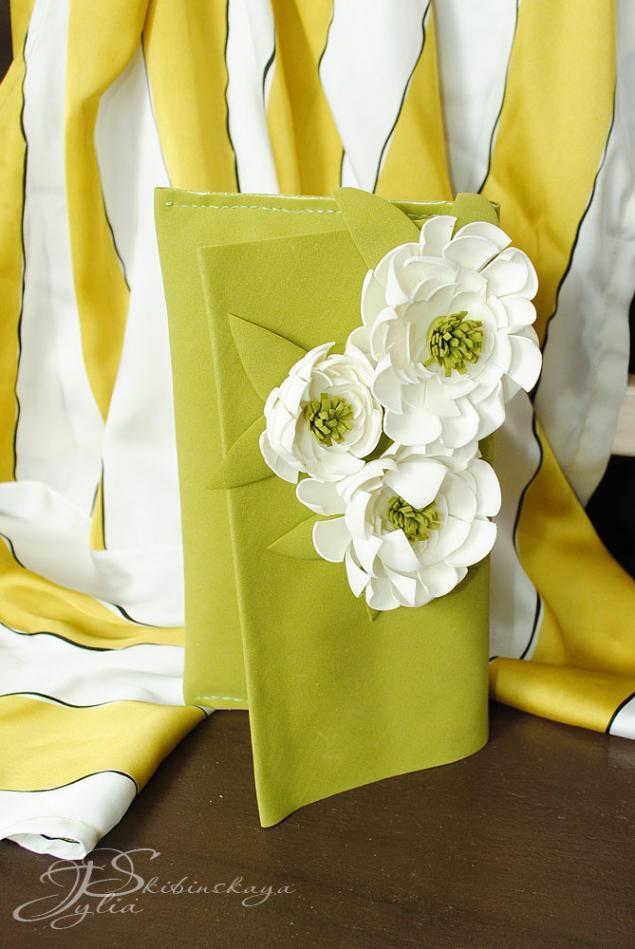 цветы из фоамирана, клатч из фоамирана
