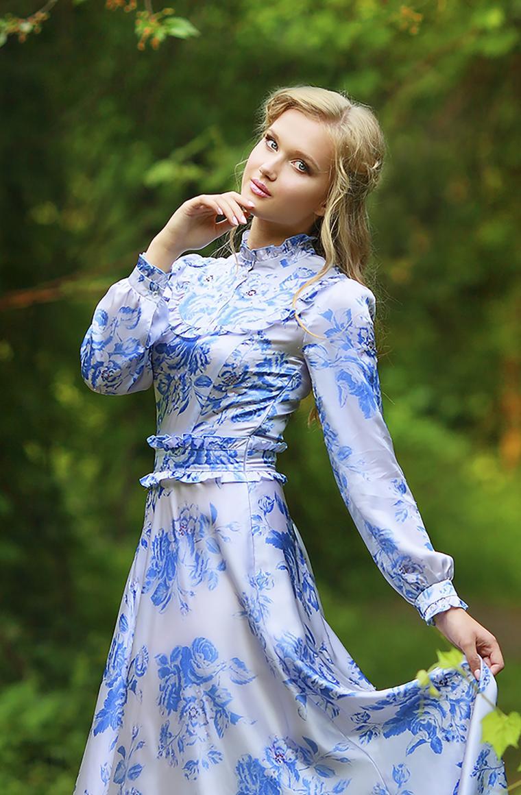 красота, ангелина груздева, шелковое платье