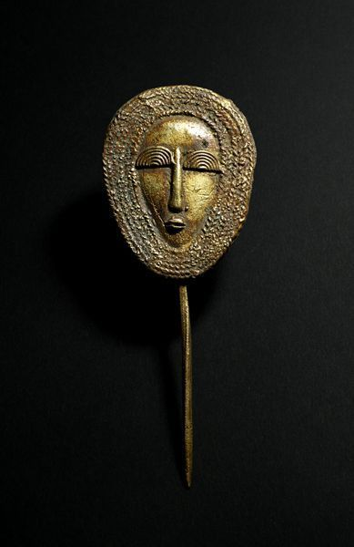 Africa   Hair pin from the Mossi people of Burkina Faso   Brass   1970.  Posted by Julia Indigo