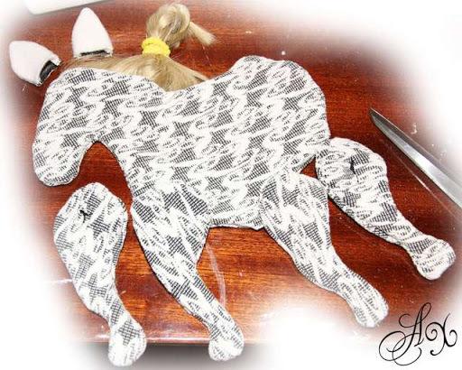 лошадка из ткани