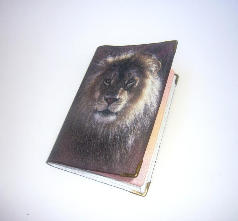 обложка, лев