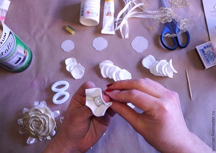 Создаем заколки с кружевом и золотыми розами из фоамирана, фото № 6