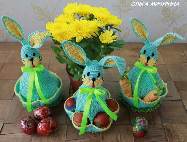 пасха, заяц с карманами для яиц, крашеные яйца