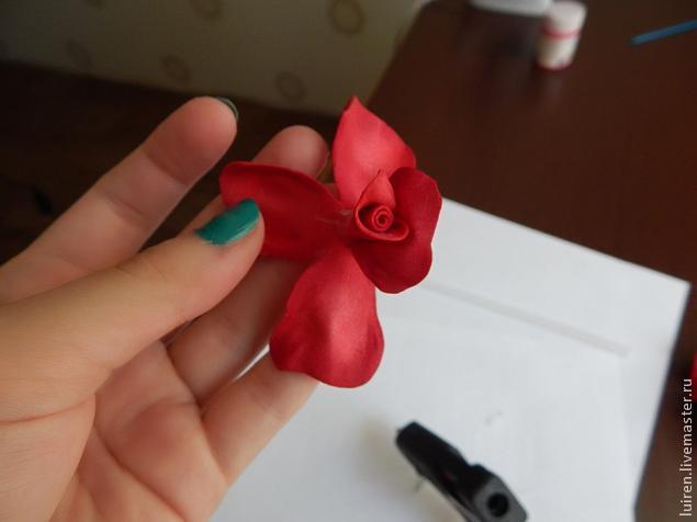 Реалистичная роза из фоамирана своими руками, фото № 16