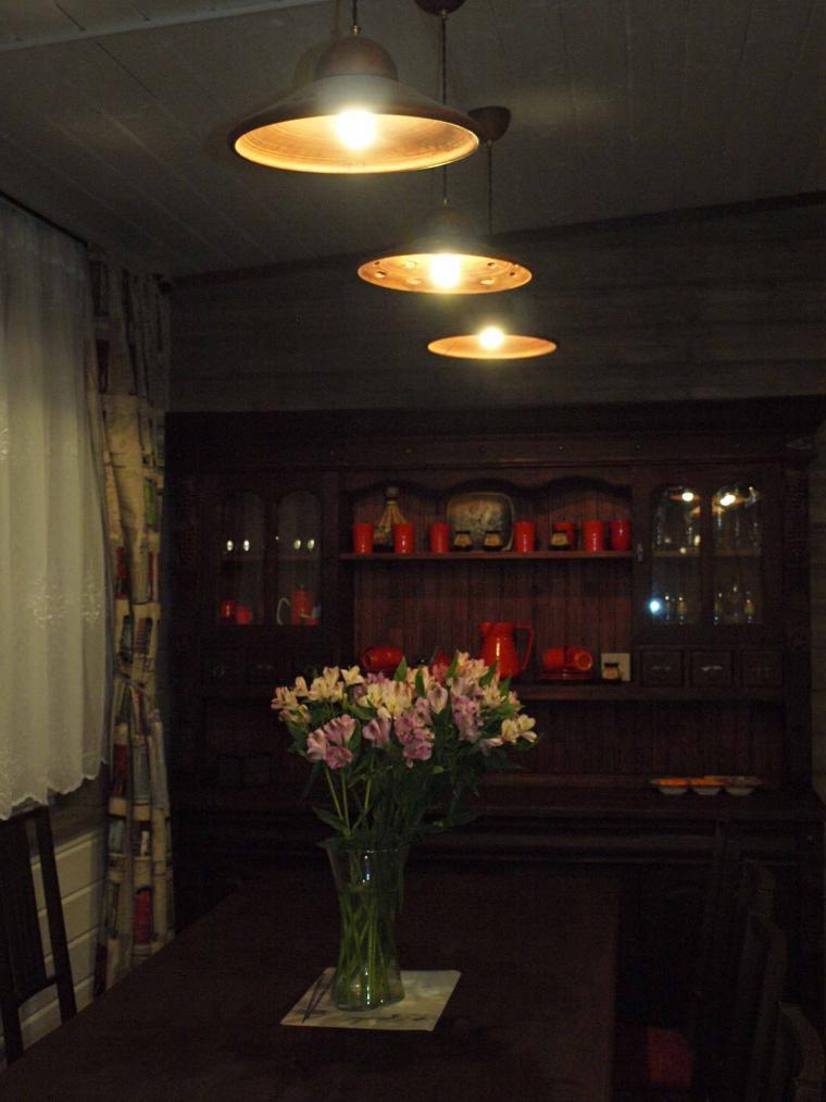оформление гостиной, керамические плафоны, авторские светильники
