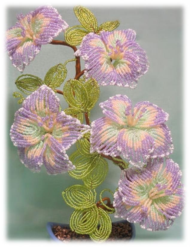 """На нашем женском портале  """"Дамочка """" Вы постоянно отыщите публикацию - фото деревьев и цветов из бисера, с фотографиями..."""