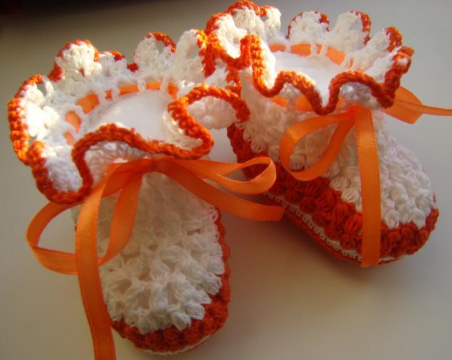 пинетки, вязание спицами, вязание крючком, тесьма, цветочки, цвет