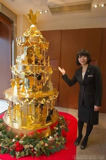 На японском аукционе можно купить новогоднюю елку за $1,68 миллиона