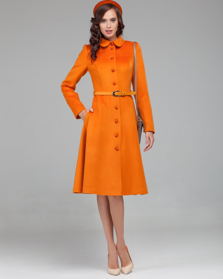 e2416fb6c87 Мода по-русски  Екатерина Смолина и ее концепция «Пальто — как ...