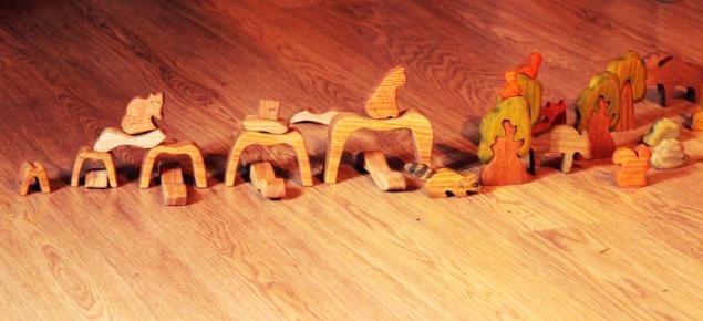 натуральные материалы, игрушки из дерева