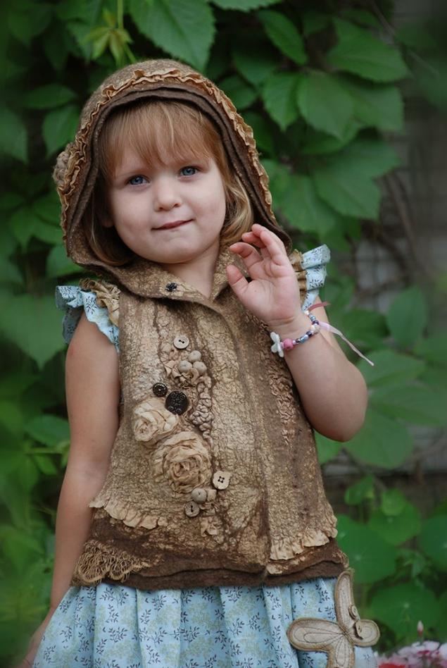жилетка детская, светлана вронская