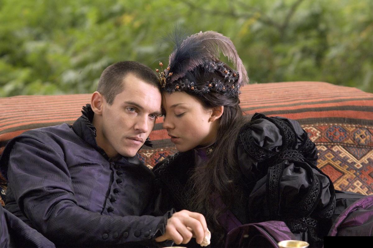 kinopoisk.ru-The-Tudors-1362536