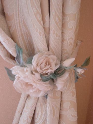 Цветок из ткани для украшения шапки