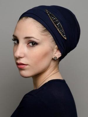 foulard-style-kaly-bleu-marine-avec-applique-bleu-et-dore