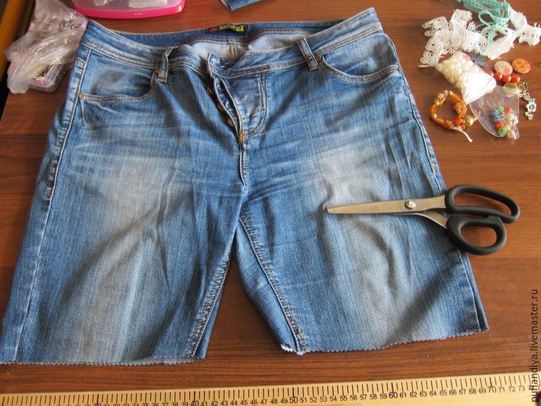 Как сшить из старых джинс шорты с подворотом 63