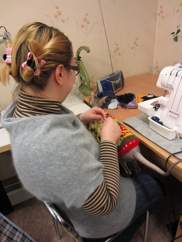 настройка оверлока, научиться шить, заправка оверлока