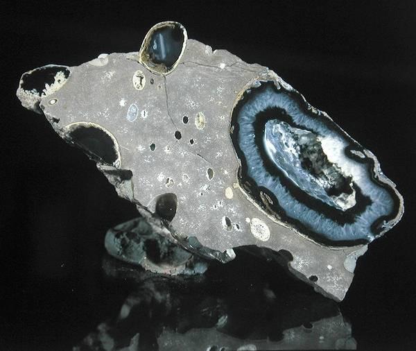 минералы, лунный камень