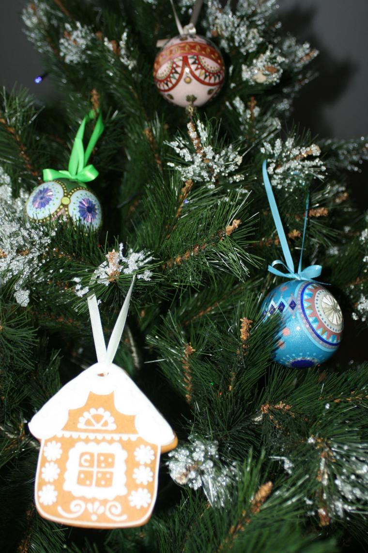 новый год, рождество, праздник, ёлка, ёлочные игрушки, ёлочные украшения, семья, традиция, анастасия листопад