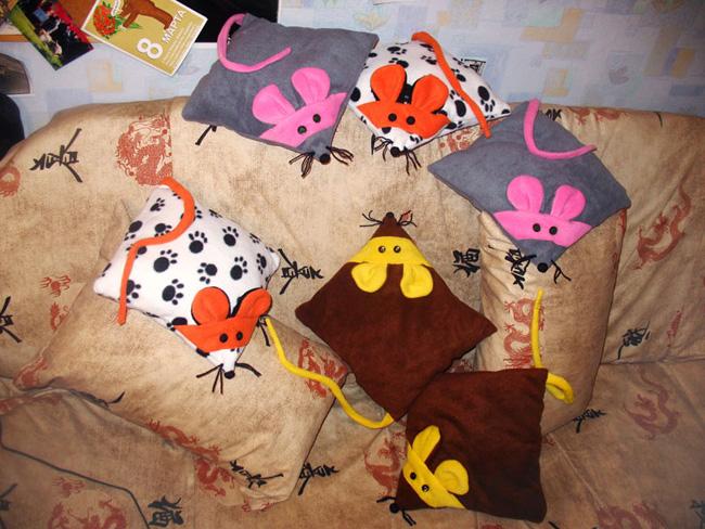 Забавные подушки игрушки своими руками