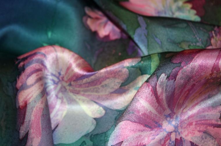 роспись по шелку, шейный платок, платок с пионами