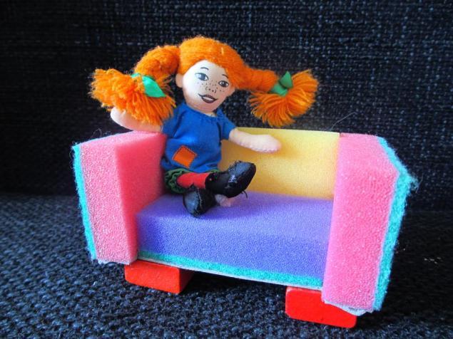 Как сделать для куклы из спичечных коробков 141