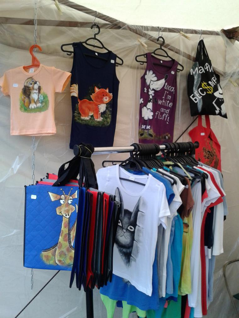 фестиваль, обложка для паспорта, роспись по ткани, платья, кеды, серьги