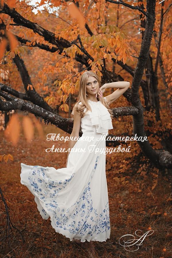 русская женщина, дизайнерская одежда