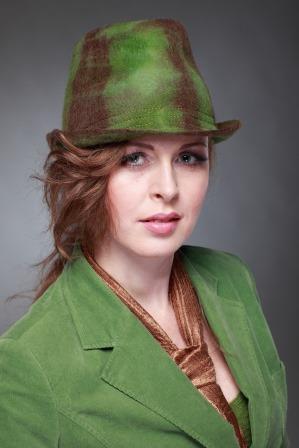 светлана кот, мокрое валяние, головные уборы, посиделки, шкатулочка, шляпы, шляпа, береты, кепки