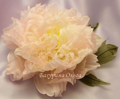 цветы из ткани, цветы из шелка, обучение цветоделию, бульки, брошь-цветок