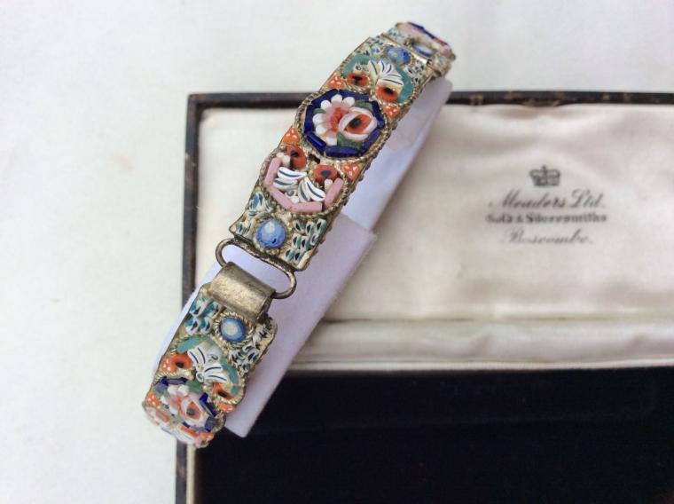 весна, старинный браслет, цветочный орнамент