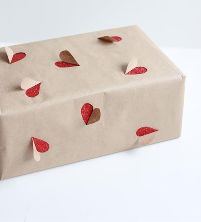 Как упаковать подарок необычно