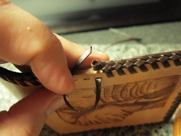 Плетение на коже фото